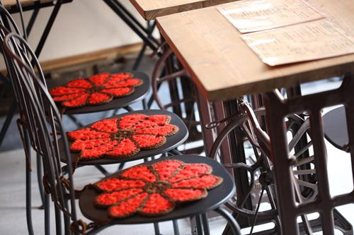 cafe/bar遊楽テーブル席